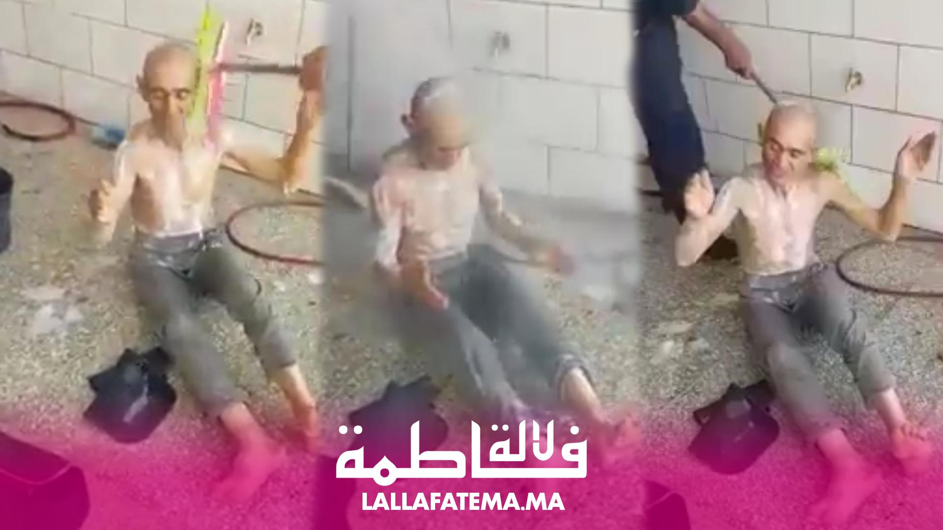 بالفيديو..استحمام متشرد بالمكنسة داخل محل لغسل السيارات يغضب المغاربة