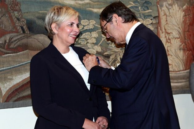 نزهة حياة تتسلم وسام الاستحقاق المدني من سفير المملكة الإسبانية بالمغرب