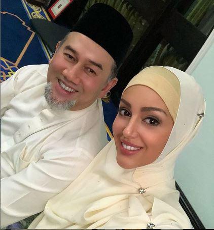 الملك الماليزي السابق السلطان محمد الخامس ينفصل عن زوجته ملكة جمال روسيا