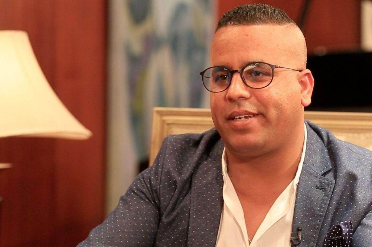 مستجدات مثيرة في قضية عبد الفتاح جوادي.. سراح مؤقت وسحب جواز السفر