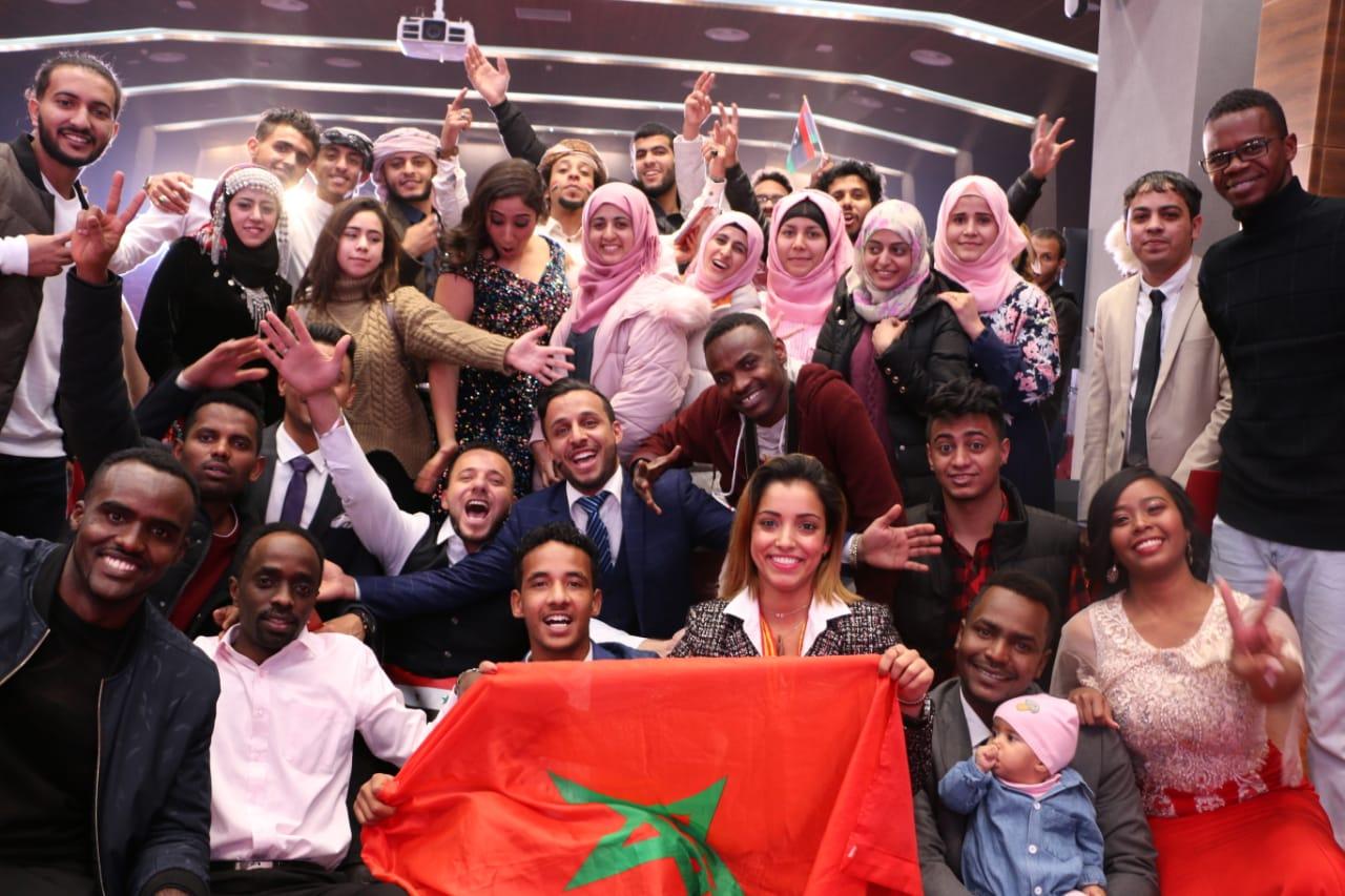 """تتويج مغربية بـ"""" مسابقة الرسم"""" في الصين"""