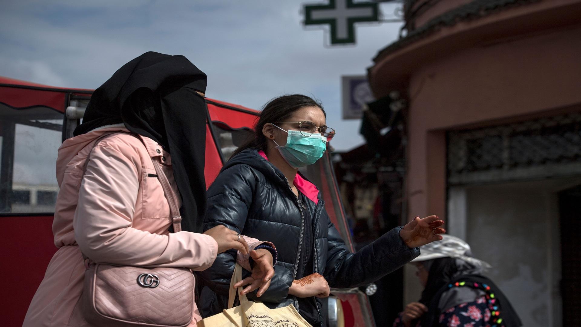 منظمة الصحة تحذر من عدم التقيد بالإجراءات التي حددتها الحكومات بشأن التباعد الاجتماعي